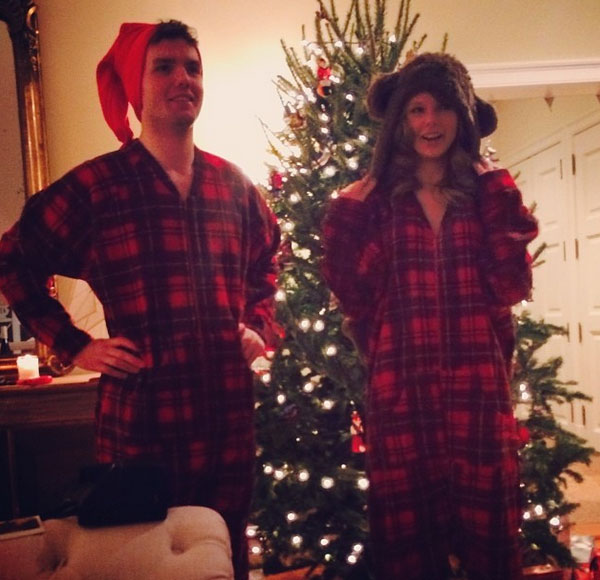"<div class=""meta ""><span class=""caption-text "">Taylor Swift shared this Instagram photo on Dec. 24, 2013, saying: 'Matching Christmas onesies is a thing that's happening right now.' (instagram.com/p/iUlSxqjvFM/ / instagram.com/taylorswift)</span></div>"