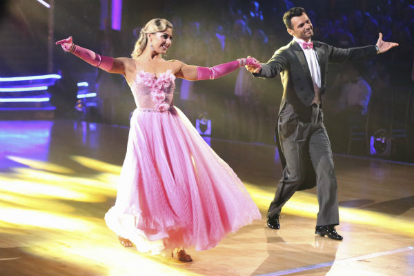 "<div class=""meta image-caption""><div class=""origin-logo origin-image ""><span></span></div><span class=""caption-text"">Pro dancers Tony Dovolani (who is competing with NeNe Leakes) and Emma Slater (whose partner Billy Dee Williams of 'Star Wars' recently exited the competition) dance on week 5 of 'Dancing With The Stars' season 18 -- Disney Night -- on April 14, 2014. (ABC Photo / Adam Taylor)</span></div>"