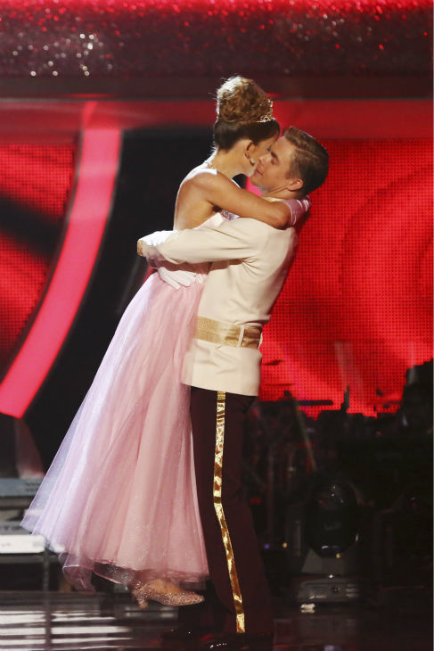 "<div class=""meta ""><span class=""caption-text "">Amy Purdy and Derek Hough react to being safe from elimination on week 5 of 'Dancing With The Stars' season 18 -- Disney Night -- on April 14, 2014. They received 37 out of 40 points from the judges for their 'Cinderella'-themed Waltz (ABC Photo / Adam Taylor)</span></div>"