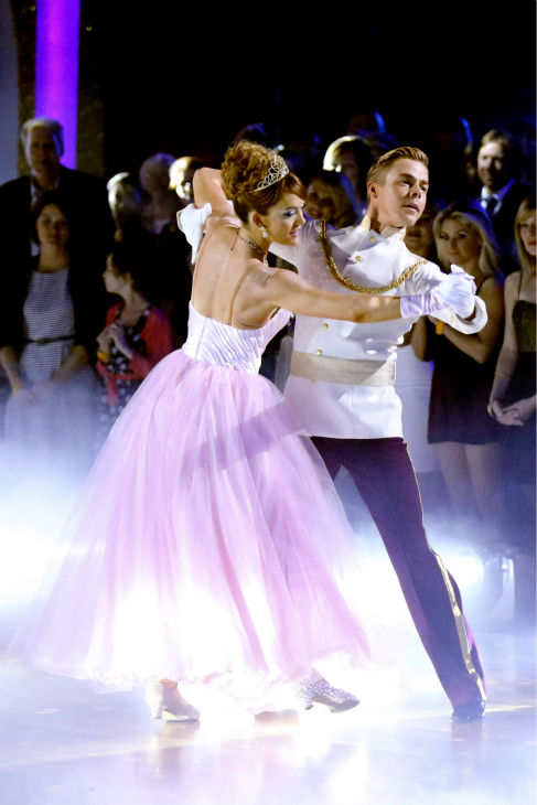 "<div class=""meta image-caption""><div class=""origin-logo origin-image ""><span></span></div><span class=""caption-text"">Amy Purdy and Derek Hough perform a 'Cinderella'-themed Waltz on week 5 of 'Dancing With The Stars' season 18 -- Disney Night -- on April 14, 2014. They received 37 out of 40 points from the judges for their dance. (ABC Photo / Adam Taylor)</span></div>"