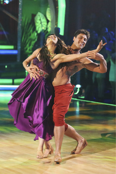 "<div class=""meta image-caption""><div class=""origin-logo origin-image ""><span></span></div><span class=""caption-text"">Meryl Davis and Maksim Chmerkovskiy perform a 'Jungle Book'-themed Samba on week 5 of 'Dancing With The Stars' on April 14, 2014. They received 36 out of 40 points from the judges for their dance. (ABC Photo / Adam Taylor)</span></div>"