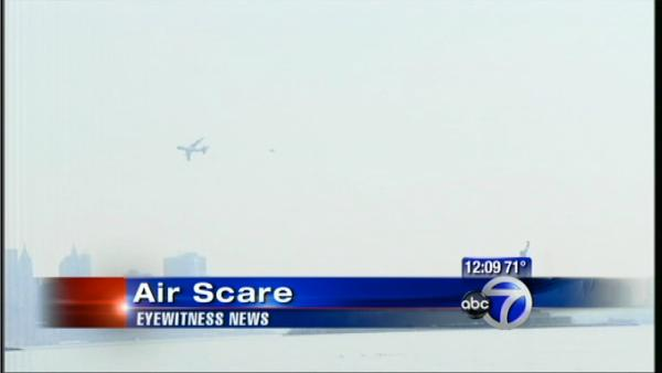VIEWER VIDEO: Plane scare in Manhattan
