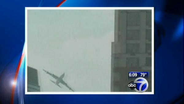 VIDEO: Low flying plane