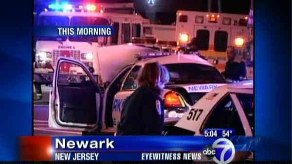 4 officers injured in Newark police chase