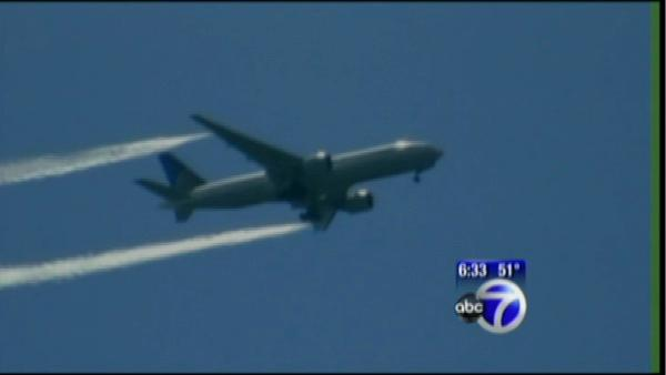 Plane returns to Newark after mechanical failure