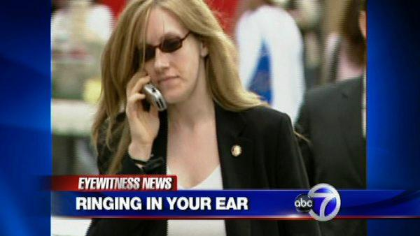 Cell phone use and ear ringing
