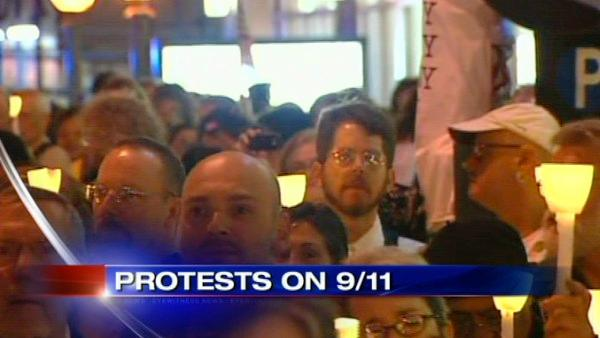 Mosque supporters hold vigil on 9/11 eve