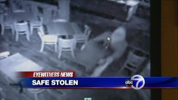 Thieves swipe safe from a Fairfield restaurant