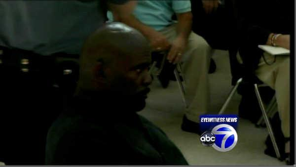 Lawrence Taylor pleads guilty to 2 NY misdemeanors