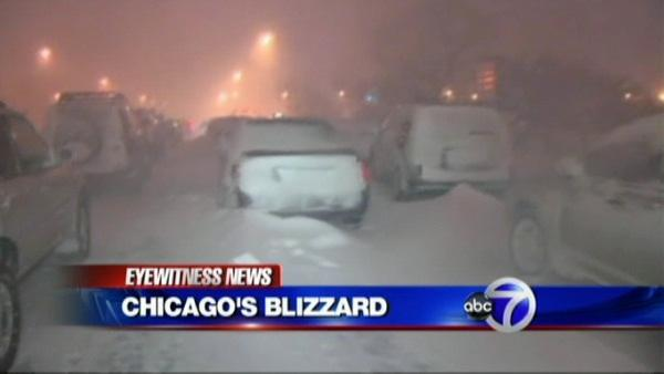 Snow shakes up Chicago