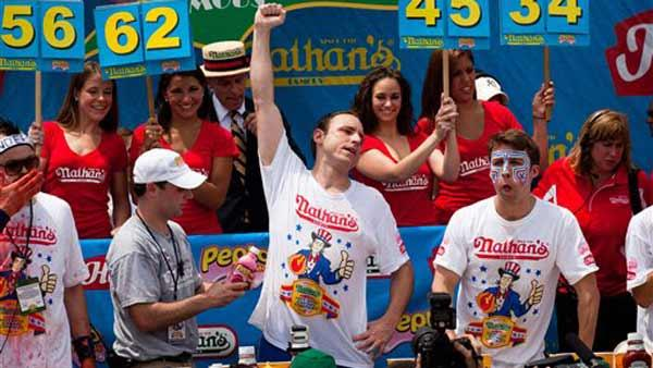 Joey Chestnut wins the hot dog contest again