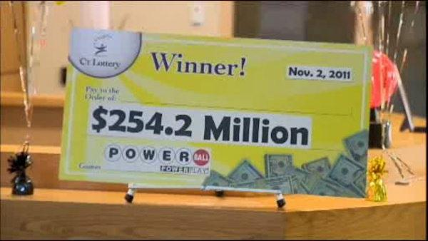 Man claims he lost winning Powerball ticket