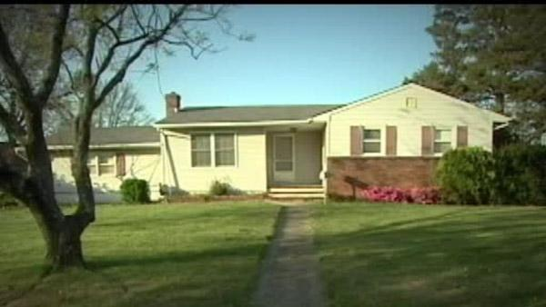 Couple sues landlord claiming house is haunted