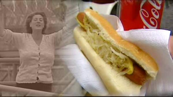 The 'hot dog hooker' returns