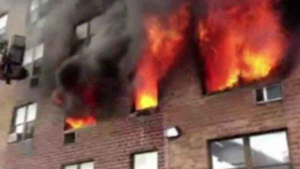 Fire rages through apartment building in Hempstead