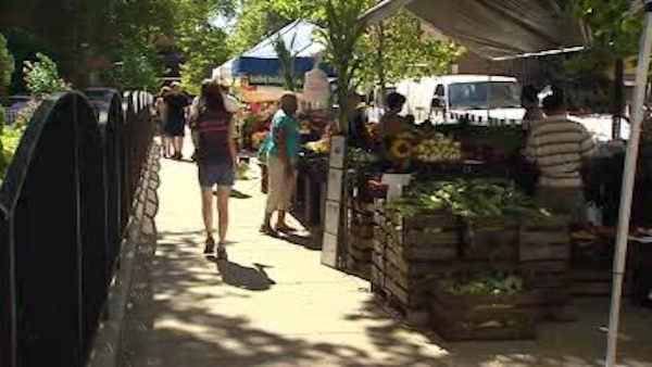 Hospitals host farmer markets to offer healthy food