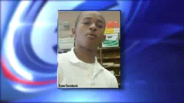 Teen found in Bronx park died of gunshot wound
