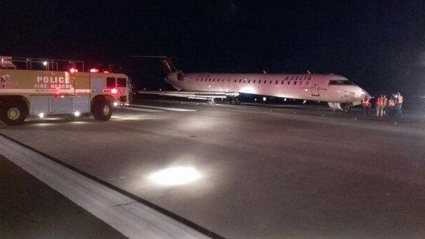 Delta connection flight makes emergency landing