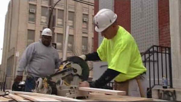 Unemployment rate falls below 8 percent