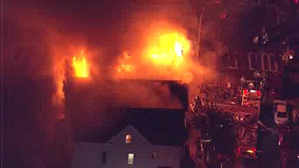 3 homes destroyed in 4-alarm fire