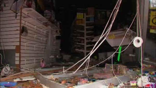 Looting a problem after Sandy knocks out power
