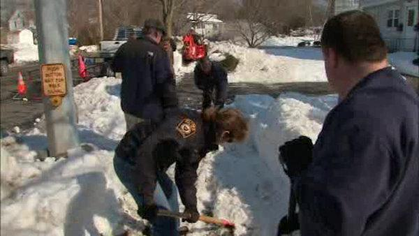 Milford organizes shovel brigade to clear the sidewalks