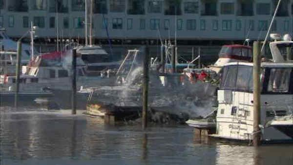 Boats catch fire in Weehawken slips