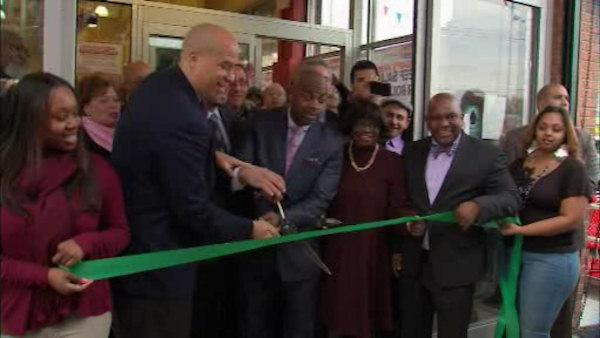 New store combats 'food desert'