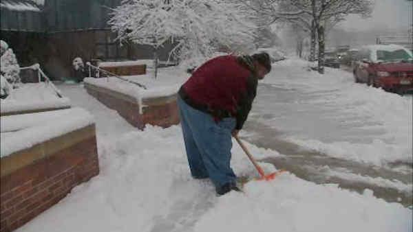 Snow causes few problems in the City