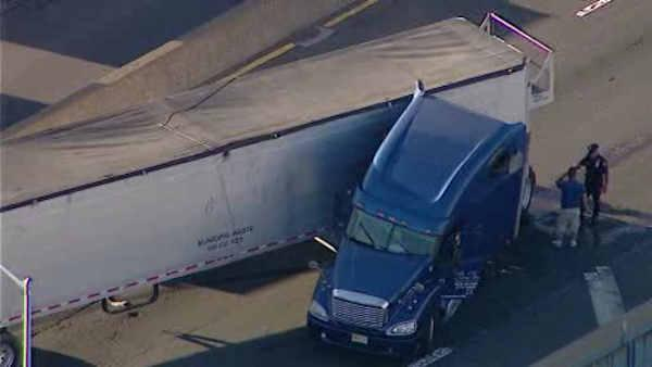 tractor trailer crash on major deegan exp