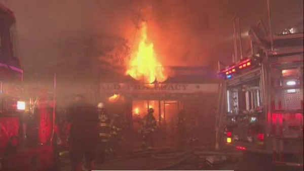 fire guts businesses in woodlawn section of the bronx