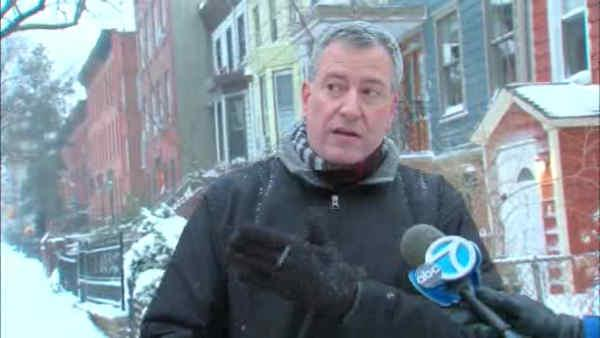 Mayor Bill de Blasio talks to Eyewitness News