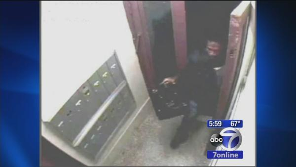 Search for suspect in attempted rape in SoHo