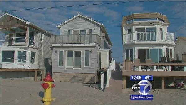 Breezy Point rebuilds year following Sandy