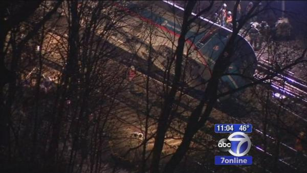 4 dead, more than 60 injured in Metro North derailment