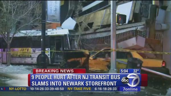 9 hurt, 1 critically, in Newark bus crash