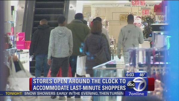 Stores staying open to give Christmas shoppers more time