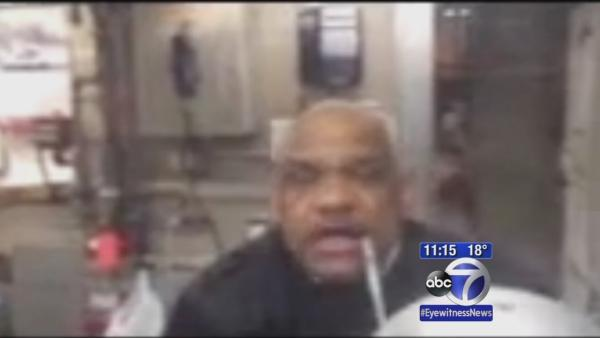 Angry MTA agent flips off customer