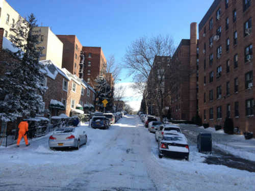 "<div class=""meta image-caption""><div class=""origin-logo origin-image ""><span></span></div><span class=""caption-text"">The aftermath of the snowstorm on 72nd St. In Bay Ridge, Brooklyn. </span></div>"