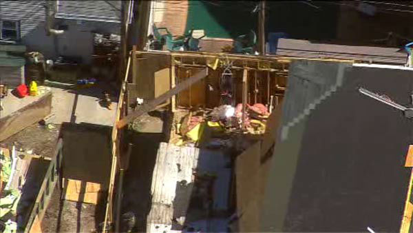 "<div class=""meta ""><span class=""caption-text "">One worker is dead and three others injured when a house under construction collapses in Brooklyn.  </span></div>"