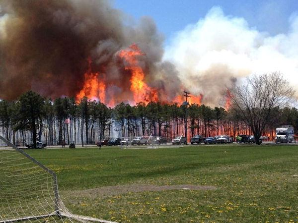 Viewer photo of the brush fire in Beachwood, New Jersey on April 24, 2014.