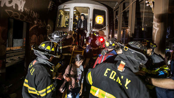"<div class=""meta ""><span class=""caption-text "">Photos of the derailment in Woodside, Queens from the MTA.</span></div>"