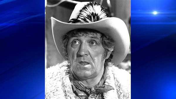 "<div class=""meta ""><span class=""caption-text "">This May 1982 file photo shows George Lindsey in character. Lindsey, who spent nearly 30 years as the grinning Goober Pyle , has died, Sunday, May 6, 2012. He was 83. (AP Photo)</span></div>"