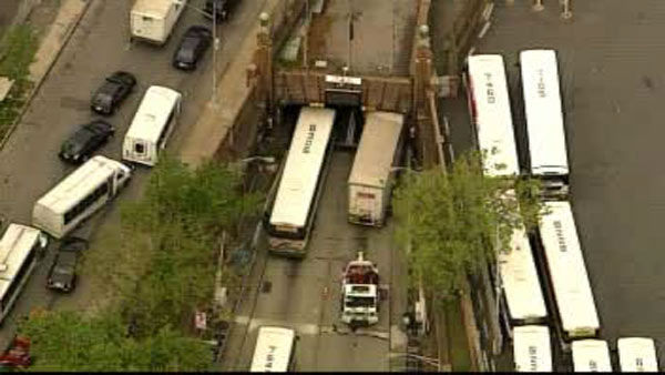 "<div class=""meta ""><span class=""caption-text "">A tractor trailer stuck in the outbound lane going towards New Jersey is causing delays.  </span></div>"