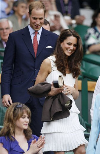 "<div class=""meta ""><span class=""caption-text "">Britain's Duke and Duchess of Cambridge arrive at centre court prior to the start of play at the All England Lawn Tennis Championships at Wimbledon, Monday, June 27, 2011. (AP Photo/Kirsty Wigglesworth) (AP Photo/ Kirsty Wigglesworth)</span></div>"