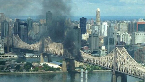 FDNY responded to a smokey truck fire that shut down the Queensboro Bridge on August 16, 2013 <span class=meta>(@GaboNYC)</span>
