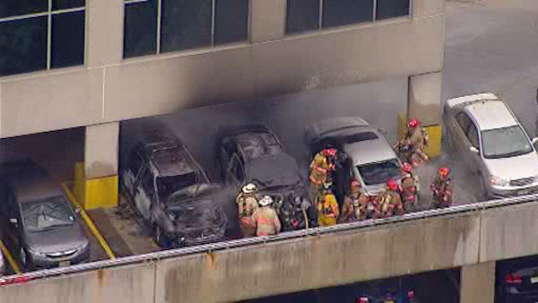 "<div class=""meta ""><span class=""caption-text "">Newscopter 7 was over the scene at the Samsung office building in Ridgefield Park, New Jersey where three cars caught fire </span></div>"