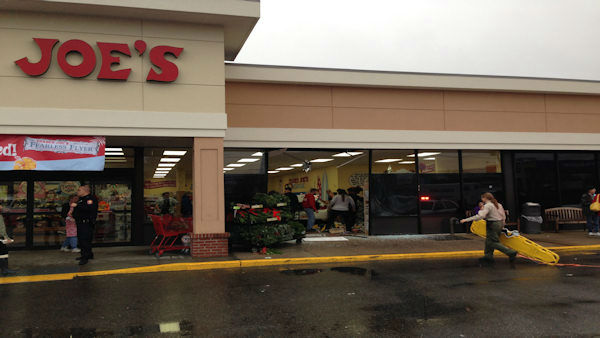 A car drove into a Trader Joe&#39;s in Oceanside, Long Island on Friday afternoon.  <span class=meta>(Adam Rubin)</span>