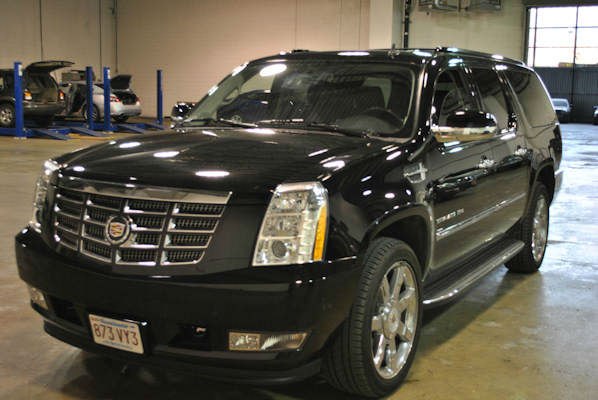 "<div class=""meta image-caption""><div class=""origin-logo origin-image ""><span></span></div><span class=""caption-text"">Thieves in Queens and the Bronx are believed responsible for the theft of hundreds of luxury cars from parking garages, rental and airport lots, among other locations in the New York area, authorities said.</span></div>"