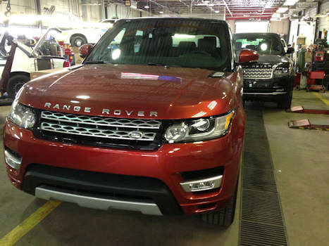 Thieves in Queens and the Bronx are believed responsible for the theft of hundreds of luxury cars from parking garages, rental and airport lots, among other locations in the New York area, authorities said.